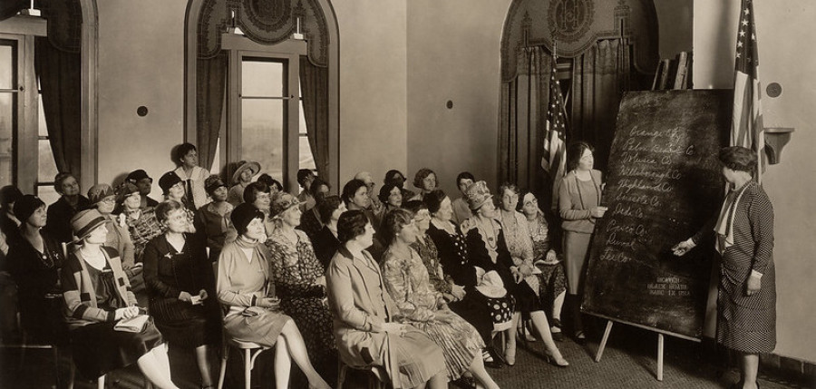 Image of 1929 League of Women Voters of Florida meeting in Tampa